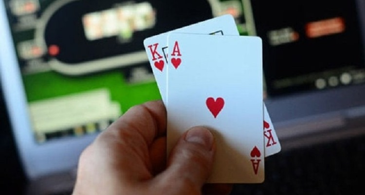 Online Poker Tells – Most Poker Players Can Make Use Of!