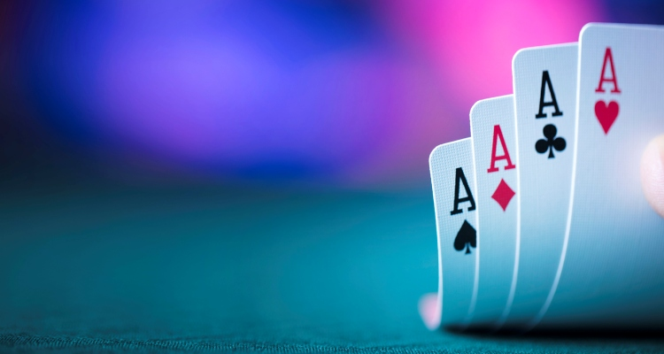 The Benefits Offered by Online Poker Games Legal